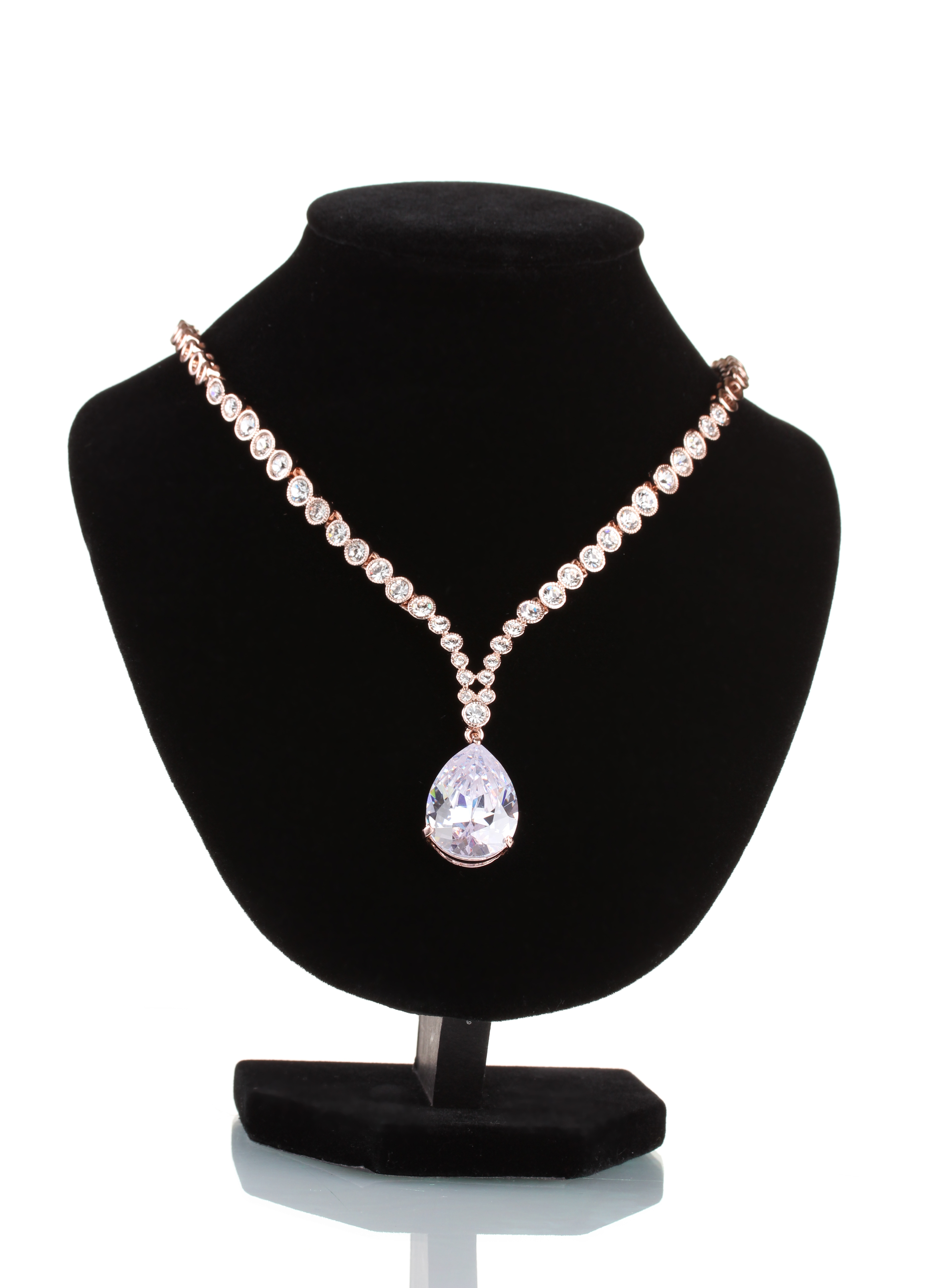 Sotheby S To Sell 33ct Flawless Diamond Necklace Dda Group